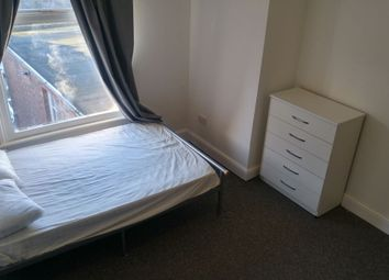 Thumbnail Studio to rent in London Road Near Train Station, Leicester