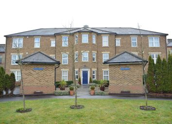 Thumbnail 3 bed flat for sale in Horton Crescent, Epsom
