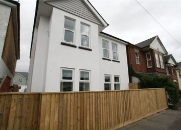 2 bed flat to rent in Columbia Road, Ensbury Park, Bournemouth BH10