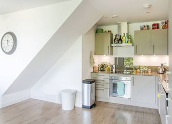 3 bed maisonette to rent in Rotherhithe New Road, Bermondsey, London SE16