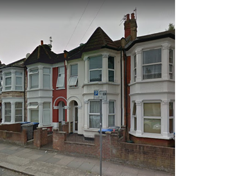Thumbnail 4 bedroom terraced house to rent in Chapter Road, Kilburn