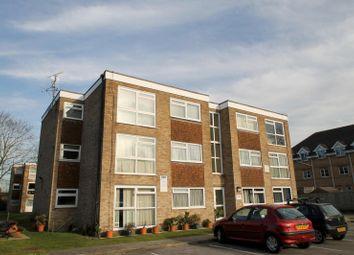 Thumbnail 1 bed flat to rent in Chanctonbury Gardens, Sutton