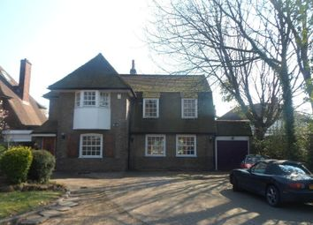 Thumbnail 3 bed flat to rent in Shortlands Road, Bromley