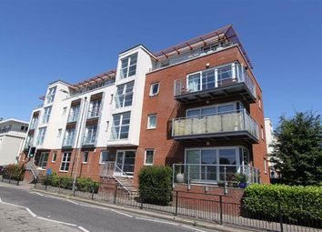 2 bed flat to rent in Honiton Road, Southend On Sea, Essex SS1