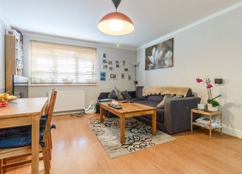 Thumbnail 2 bedroom flat for sale in Pipers Gate, Star Road, Reading