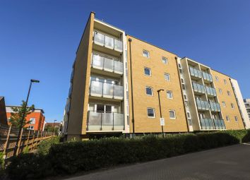 Perkins Gardens, Ickenham, Uxbridge UB10. 2 bed flat