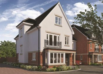 Thumbnail 4 bed town house for sale in Old Forest Road, Winnersh, Wokingham