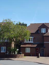 Room to rent in Claypole Drive, Hounslow/Heston TW5