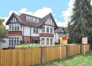 Thumbnail 1 bed flat to rent in Boyn Hill Avenue, Maidenhead