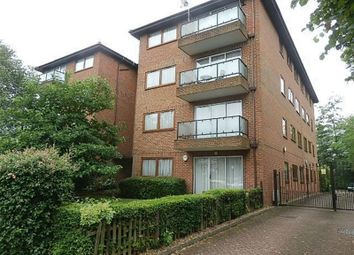 Thumbnail 2 bed flat to rent in Rossanne House, Etchingham Park Road, Finchley, Greater London