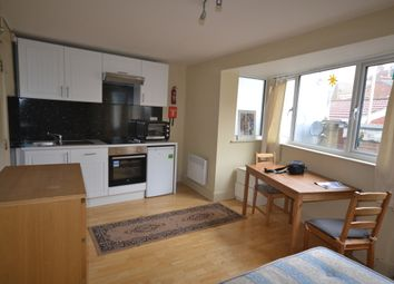 Thumbnail Studio to rent in Mapesbury Mews, London