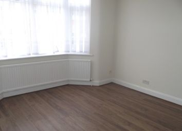 Thumbnail Studio to rent in Fencepiece Road, Ilford