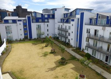 Gordon Gardens, Plaza 21, Swindon, Wiltshire SN1. 3 bed flat