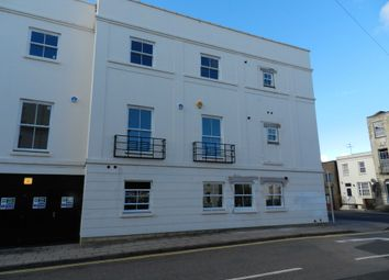 2 bed flat to rent in Albion Street, Cheltenham GL52