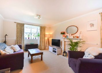 Thumbnail 2 bed flat to rent in Langton Road, Oval, London