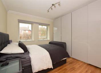 1 bed flat for sale in Lowe Close, Chigwell, Essex IG7