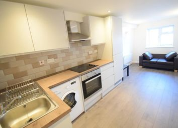 1 bed flat to rent in Brent Street, Hendon, London NW4