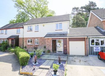 3 bed property for sale in Mason Close, East Grinstead, West Sussex RH19
