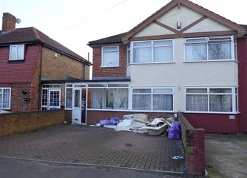 Thumbnail 4 bed town house to rent in Ashford Avenue, Hayes, Middlesex