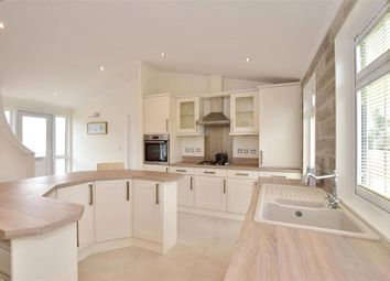 Thumbnail 2 bedroom mobile/park home for sale in Queen Street, Paddock Wood, Tonbridge, Kent