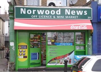 Commercial property to let in High Street, London SE25