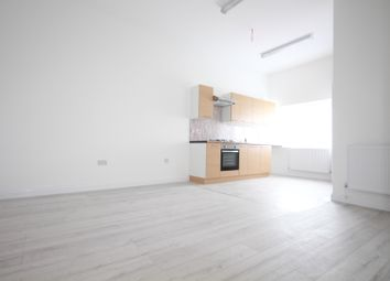 Thumbnail 2 bed flat to rent in Grosvenor Way, London