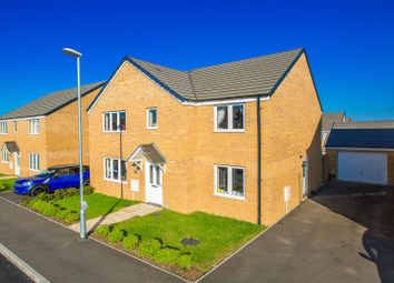Thumbnail 5 bed detached house for sale in Carriage Close, Desborough