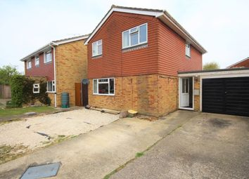 Thumbnail 4 bed detached house for sale in Salisbury Close, Wokingham