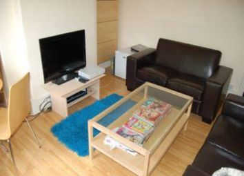 Thumbnail 2 bedroom flat to rent in County Street, Elephant & Castle