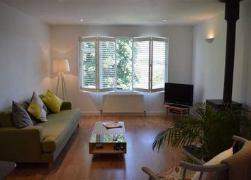 Thumbnail 2 bed flat for sale in Woodville Road, New Barnet, Herts
