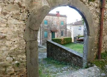Thumbnail 2 bed town house for sale in Gello, Pescaglia, Lucca, Tuscany, Italy