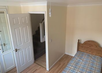 Thumbnail Studio to rent in Parklands Close, Ilford, Essex