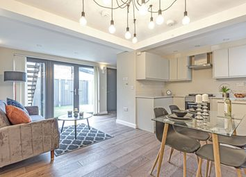 Thumbnail 1 bed flat for sale in Forest Hill Road, London