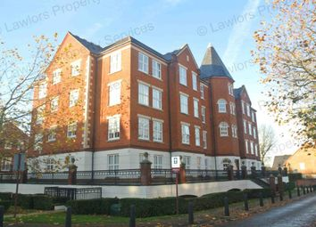 Thumbnail 2 bed flat to rent in The Boulevard, Woodford Green