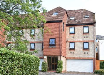 Thumbnail Flat for sale in Pilgrims Close, Palmers Green