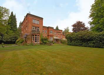Thumbnail 2 bed flat to rent in Windlesham, Surrey