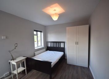 Thumbnail 1 bed property to rent in Gosbrook Road, Caversham, Reading