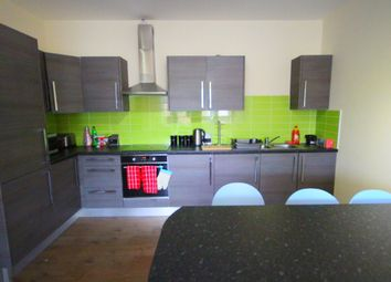 4 bed flat to rent in Hodgson Street, Sheffield S3