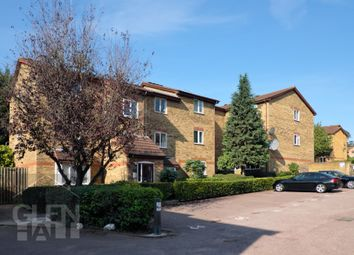 1 bed flat for sale in Greenway Close, London N11