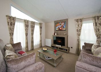 Thumbnail 2 bed mobile/park home for sale in London Road, Kessingland, Lowestoft