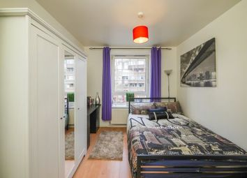 Thumbnail Room to rent in Greatorex House 5, Algate East