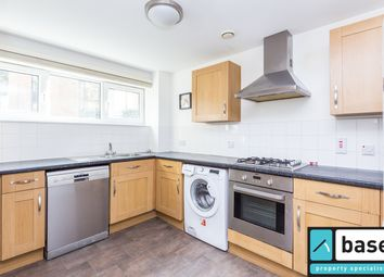 Thumbnail 4 bed flat to rent in Stoke Newington Church Street, London
