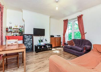 Thumbnail 4 bedroom flat for sale in Union Grove, London