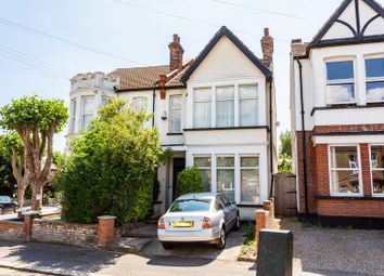 Thumbnail 2 bed flat for sale in Harcourt Avenue, Southend-On-Sea