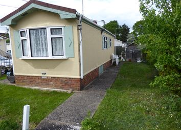 Thumbnail 1 bedroom mobile/park home for sale in Strande Park (Ref 6193), Cookham, Maidenhead, Berkshire