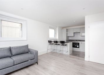 3 bed flat to rent in Denning Point, 33 Commercial Street, London E1