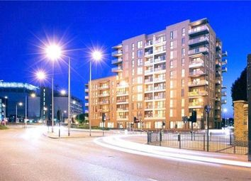 Thumbnail 1 bed flat to rent in Poplar, London