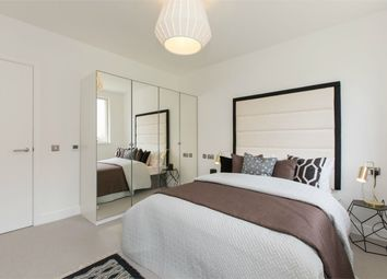 Thumbnail 2 bed flat for sale in Woodside Square, Muswell Hill, London