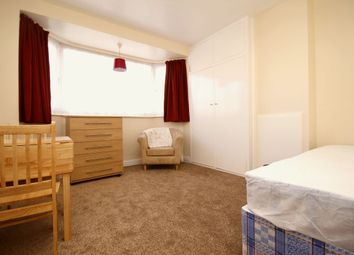 Thumbnail Room to rent in Cobham Avenue, New Malden