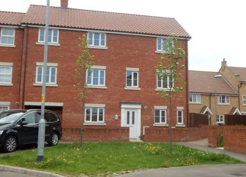Thumbnail 6 bed property to rent in Snowdrop Street, Wymondham